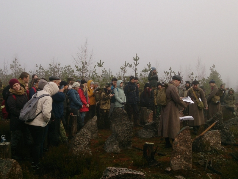 Студенты и сотрудники ВШ МОП приняли участие в походепо линии Маннергейма