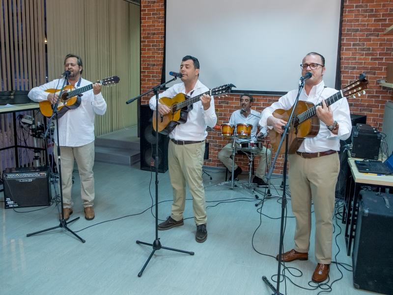 Гости из Испании посетили ВШ МОП