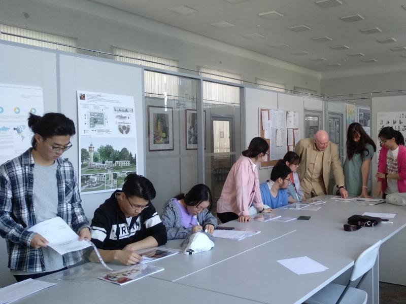 Цзянсу: защита выпускных работ студентов-дизайнеров